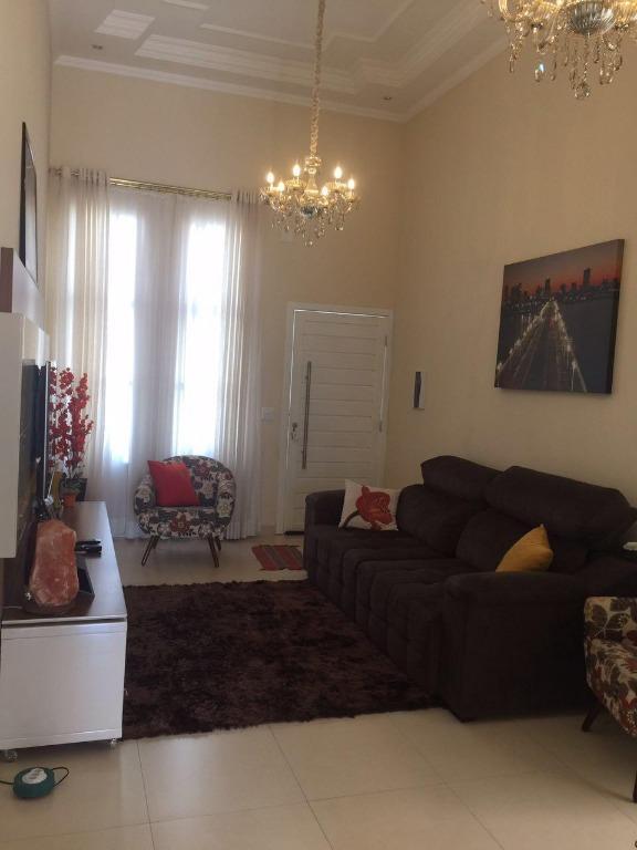 Casa em Condomínio com quartos para Alugar, 94 m²