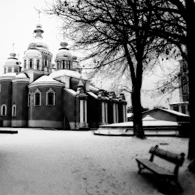 Snow on S.michael, Kiev by Giuseppe Conti - Black & White Buildings & Architecture ( winter, architecture, landscape )
