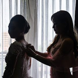 The Bride and the Bridesmaid by Ambin Designs - Wedding Getting Ready