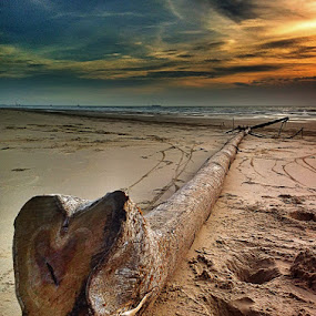 Heart by Zulhazman Ha - Instagram & Mobile iPhone ( nature, sunset, beach, landscape, brunei )