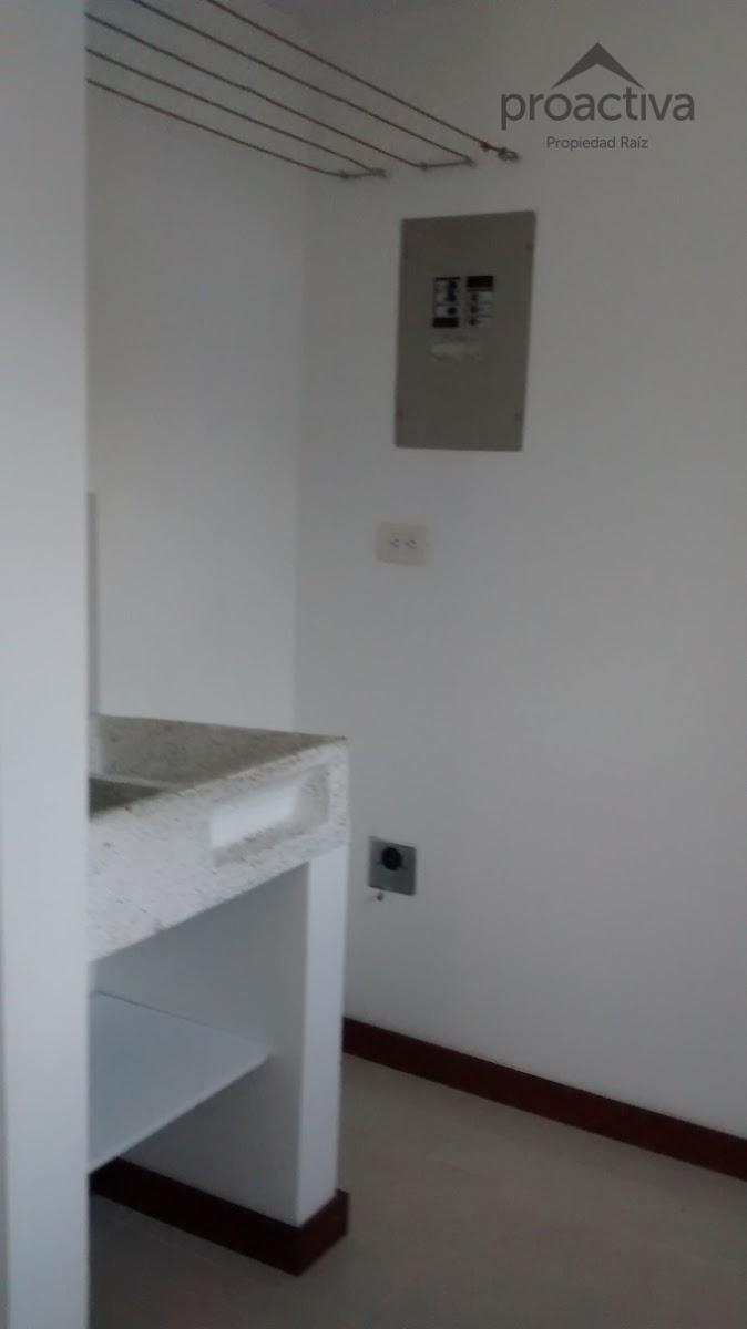 apartamento en arriendo poblado 497-6369