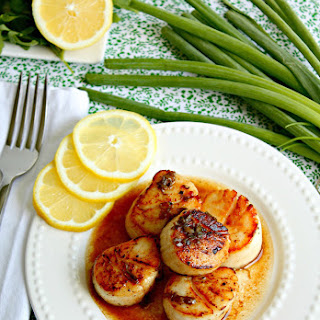 Pan Seared Scallops | Brown Butter Sauce