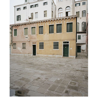Giovanni Cocco, At what time does Venice close 9