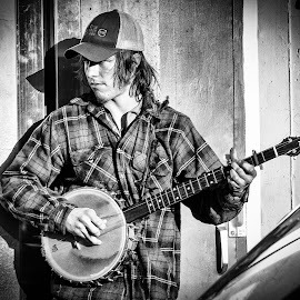 Banjo Player by Brad Larsen - People Musicians & Entertainers ( black and white, musician, street performer, banjo, street photography )