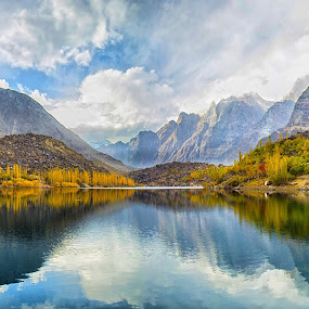 Upper Kachura Lake, Skardu by Yuni  Khan - Landscapes Waterscapes ( lakes of pakistan, upper kachura lake, yuni khan, yuni's photography, beauty of pakistan, , relax, tranquil, relaxing, tranquility )