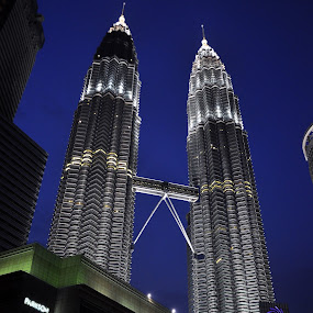 KLCC by Naufal Aziz - Buildings & Architecture Bridges & Suspended Structures