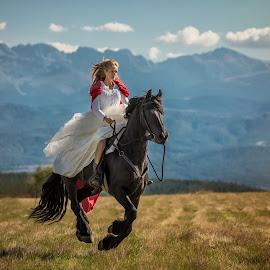 Runaway bride by Niko Chapa - Wedding Other ( adgor, horses, niko chapa, bulgaria )