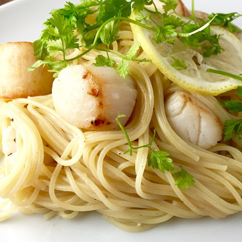 Peconic Bay Scallops with Pasta, Butter and Lemon