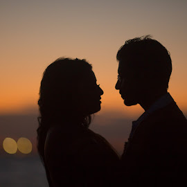 Couple at a Sunset by Faisal Enam - People Couples ( love, canon, sunset, couple, beach, sydney,  )