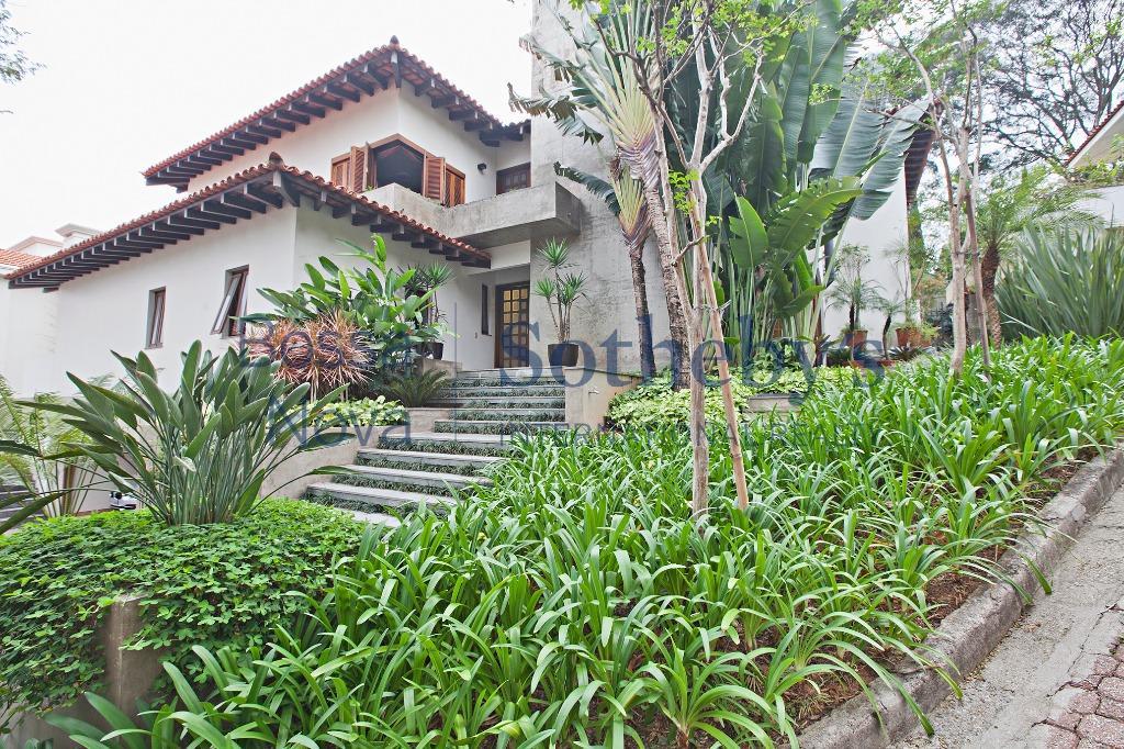 Casa em condomínio no Jardim Guedala, São Paulo.