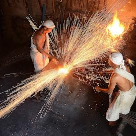 Keris Maker by Doeh Namaku - People Professional People