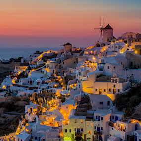 Santorini colorfull sunset by George Papapostolou - Landscapes Sunsets & Sunrises ( sunsetnightshot, kyklades, hellas, colors, greece, aegean sea, oia, landscape, nikon, nikon d7000, santorini,  )