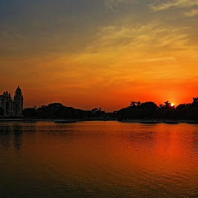 sunset at victoria memorial by Jayanti Chowdhury - Landscapes Sunsets & Sunrises ( water, sky, hdr, sunset, kolkata, garden, heritage, victoria memorial )
