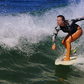 Allez go go ! by Gérard CHATENET - Sports & Fitness Surfing