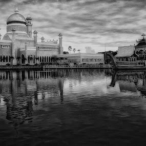 by Zulkifli HAL - Buildings & Architecture Public & Historical ( black & white buildings )