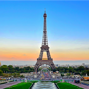 Eiffel Tower in dusk hour by Kyen Ang - Travel Locations Landmarks