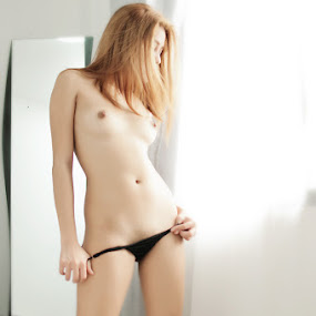 All Rise by Ocidem Graphix - Nudes & Boudoir Boudoir