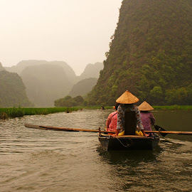 Tam Kok river by Ni Francisco - Transportation Boats ( water, holiday, nature, canoe, boat, landscape, people, culture, river )