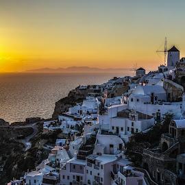 Oia sunset by Santa Liepina - City,  Street & Park  Vistas ( village, sunset, white, oia, santorini )