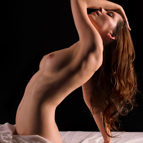 Exstacy.. by Jean-marc Nehmé - Nudes & Boudoir Boudoir ( leaning, bed, dani, hair, light, shadows )