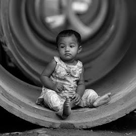 Street children.. by Sofia Zaman - Babies & Children Children Candids ( nature, child portrait, back light, shape )