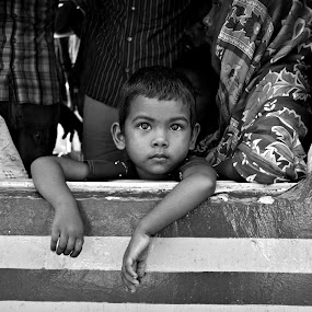 The Train...! by Akash Islam - Babies & Children Children Candids ( bangladesh, train, dhaka )