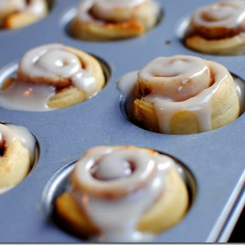 8 Minute Mini Cinnamon Rolls