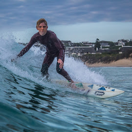 comming around by Christopher Scott - Sports & Fitness Surfing