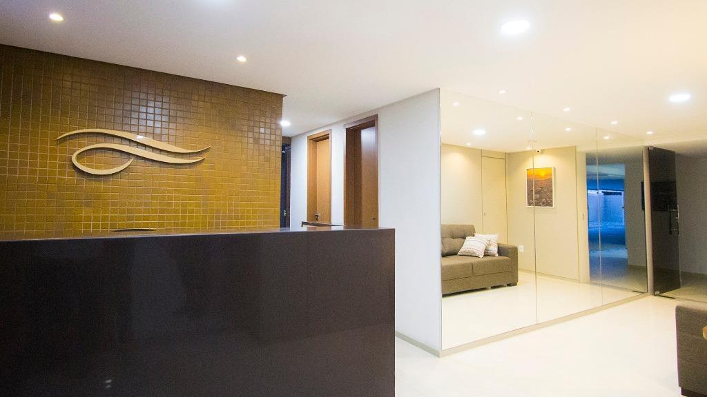Flat com 2 dormitórios à venda, 45 m² por R$ 360.000