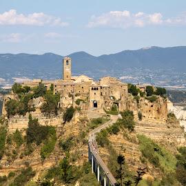 Civita di Bagnoregio by Alessandro Calzolaro - Buildings & Architecture Public & Historical ( ancient, village, italy, civita, historic, city )