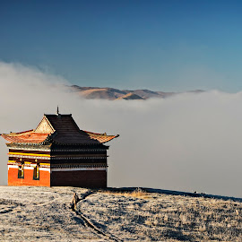 A temple closer to heaven by Crispin Lee - Buildings & Architecture Places of Worship