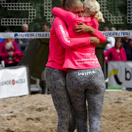 Well done by Simo Järvinen - Sports & Fitness Other Sports ( female, outdoor, beach volley, sports, summer, team voima, women )