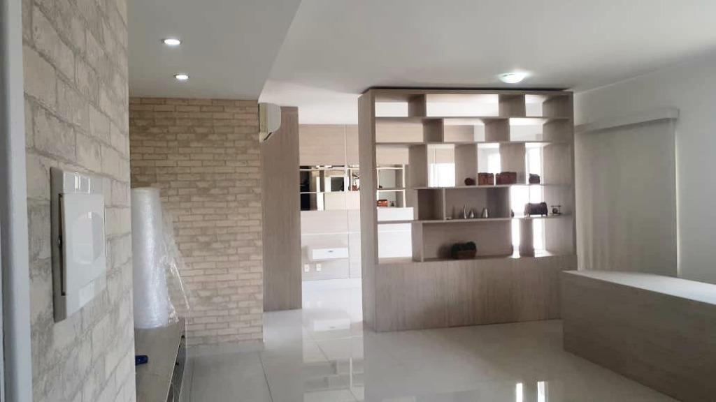 Lindo loft semi-mobiliado de 61m²