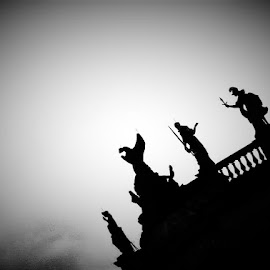 Berlin Statues  by Nick Remick - Black & White Buildings & Architecture ( statues, germany, silhouette, black and white, berlin )