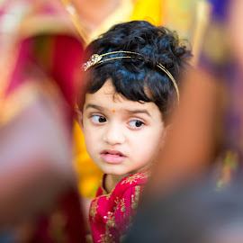 gotcha by Vivek Kumar - Babies & Children Babies ( canon, centre, baby girl, children, canon5dmark3, marriage, canon ef, canon eos, child, red, wedding, event, erode, india, baby, baby shoot, baby photography, tamilnadu )