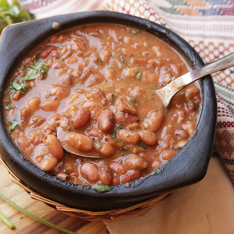 Frijoles Charros (Mexican Pinto Beans With Bacon and Chilies)