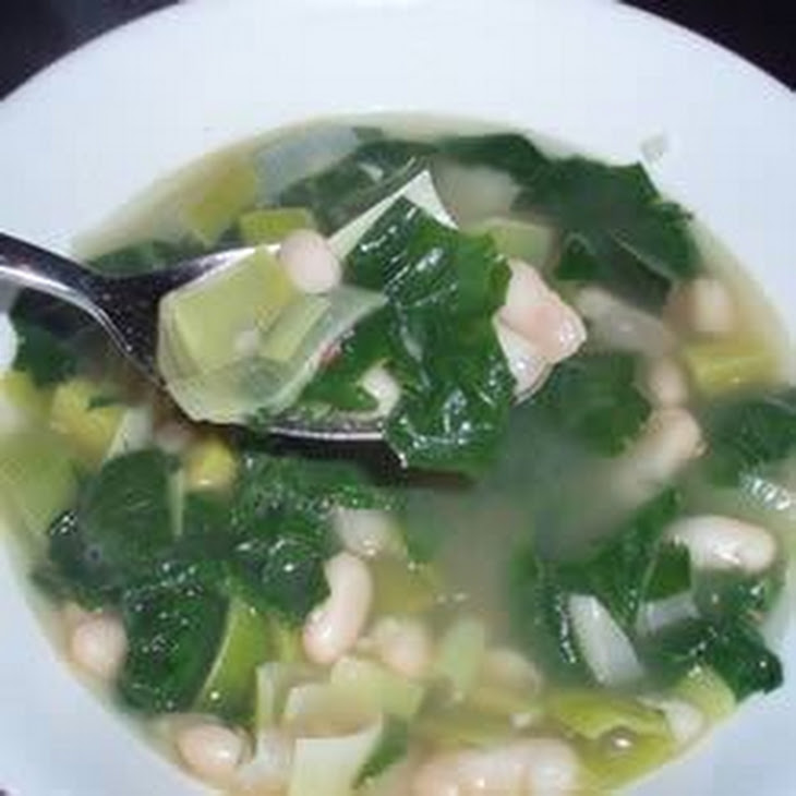 Spinach and Leek White Bean Soup Recipe | Yummly