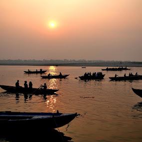 Sunrises & boting  by Abhay Srivastava - Landscapes Sunsets & Sunrises ( nature, beautiful, art, india, river )