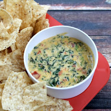 Crock Pot Spinach and Bacon Cheese Dip