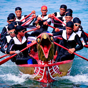 Sea Eagle Boat Race  by Aldo Pasha Permana - Transportation Boats ( eagle, sea, boat, race, batam, competition )