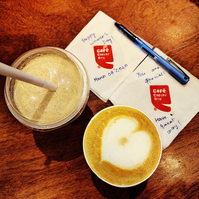 Kanika Tuteja at Cafe Coffee Day, Rajiv Chowk, New Delhi photos