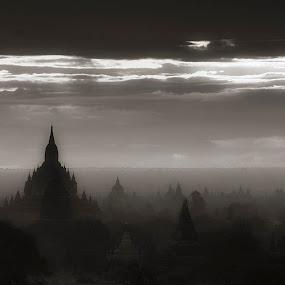 Bagan Sunrise by Thet Htoo - Landscapes Travel ( myanmar, ancient city, bagan )