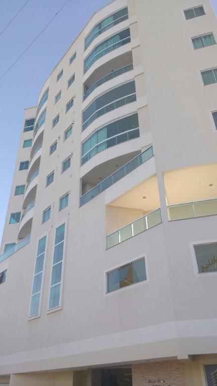 Lindo apto 3 dormitórios sendo 1 suite com vista mar