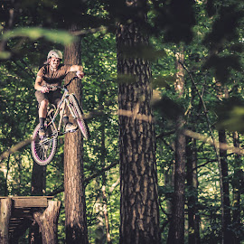 Doekoe power by Dennis Nieling - Sports & Fitness Cycling ( bike, wood, mtb, trees, helmet, leaves, woods, jump )