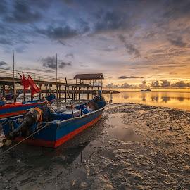 Stuck On The Mud by Aditya Permana - Transportation Boats