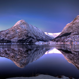 Winter morning by Sigbjørn Fjellheim - Landscapes Weather ( hardanger )