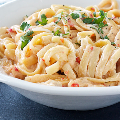 Roasted Red Pepper Fettuccine Alfredo with Chicken