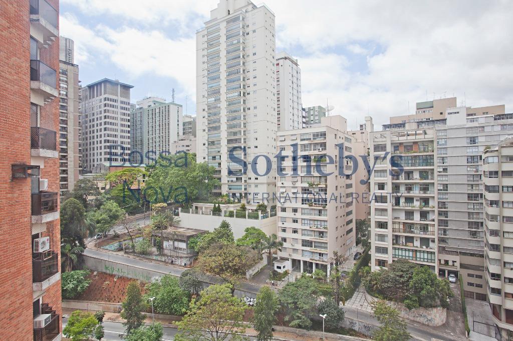 Apartamento amplo e com ótimo valor nos Jardins