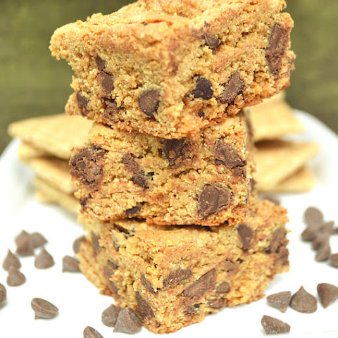 Chewy Chocolate Chip Graham Cracker Cookie Bar