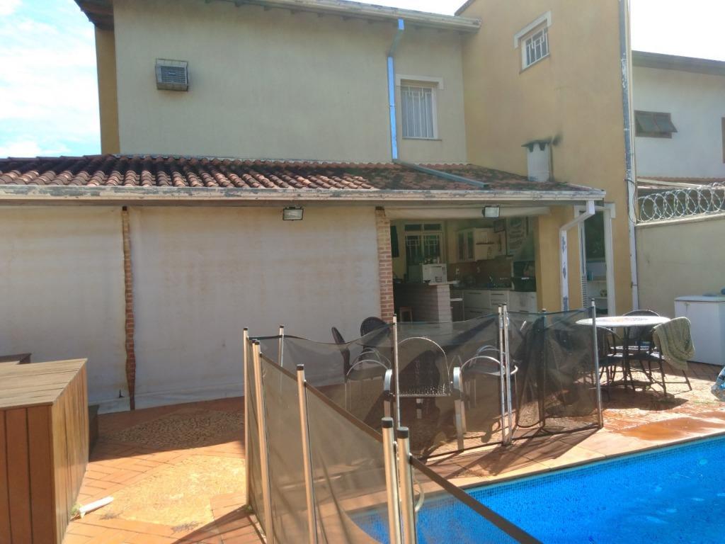 Casa para Aluguel 280 m²  com 4 quartos